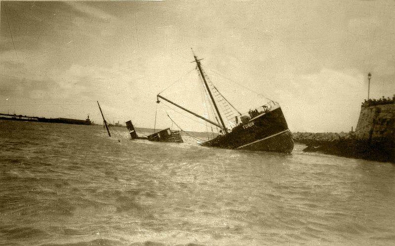 1934 Foto naufragio Toñín 1