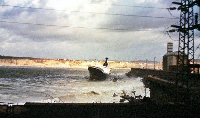 1984 Foto naufragio Jarvis Bay 1