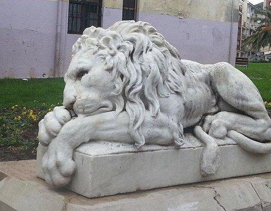 León (izquierda) en Casa Torre Jauregia