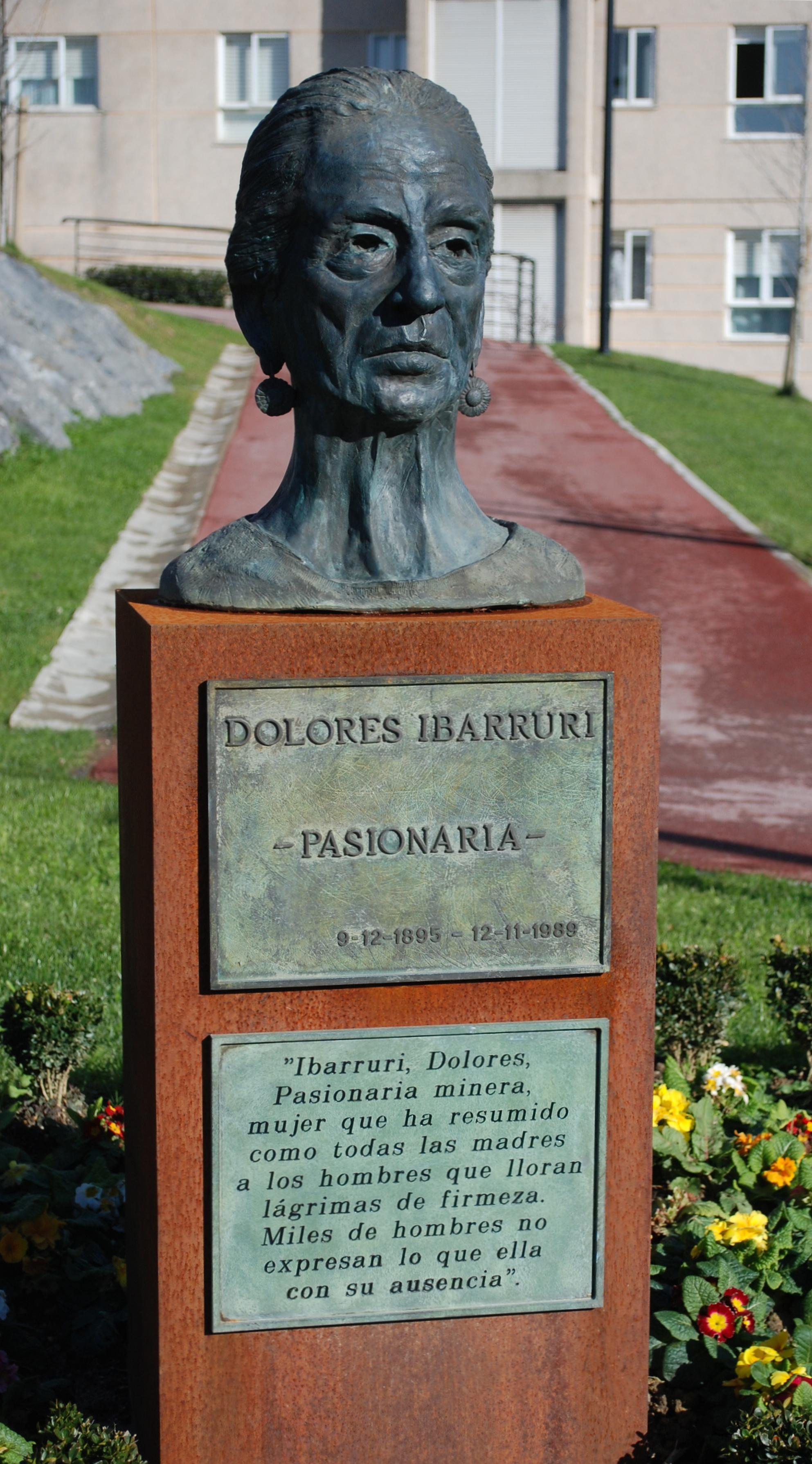 Busto de Dolores Ibarruri 6 recortado