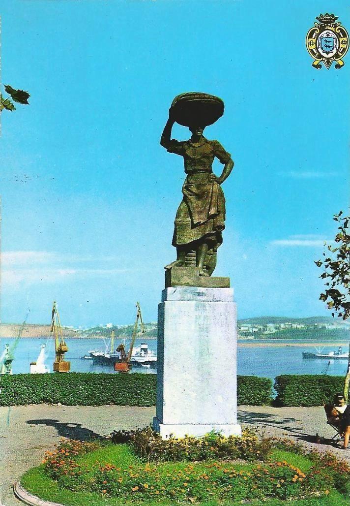 Monumento a la sardinera en Santurtzi-6 (1967)
