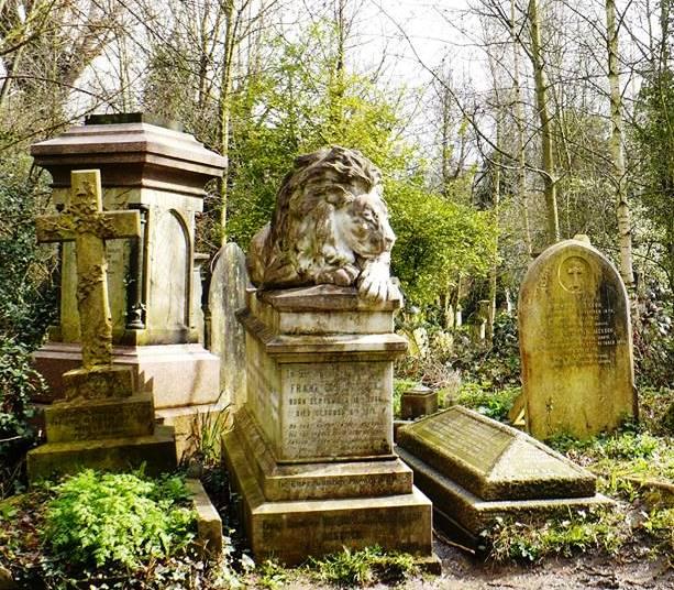 león en Cementerio de Abney Park