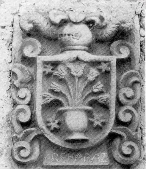 escudo-reparaz-en-piedra
